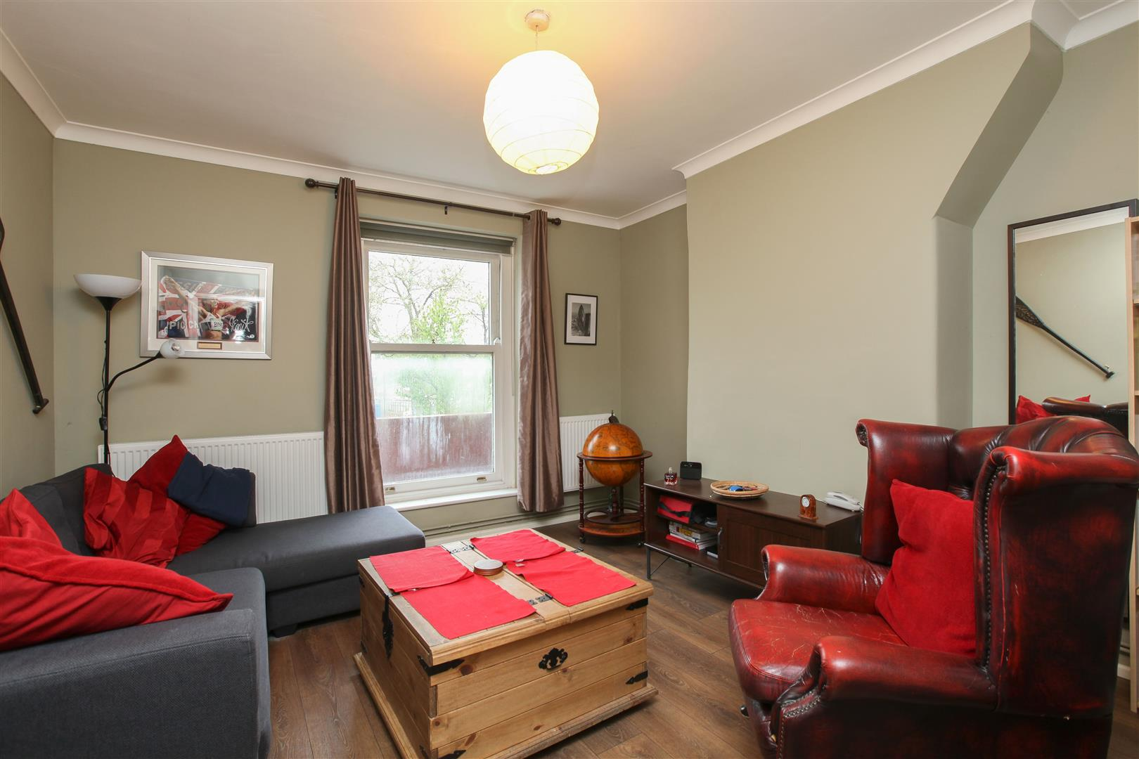 2 Bedrooms Flat for sale in Stamford Hill, London
